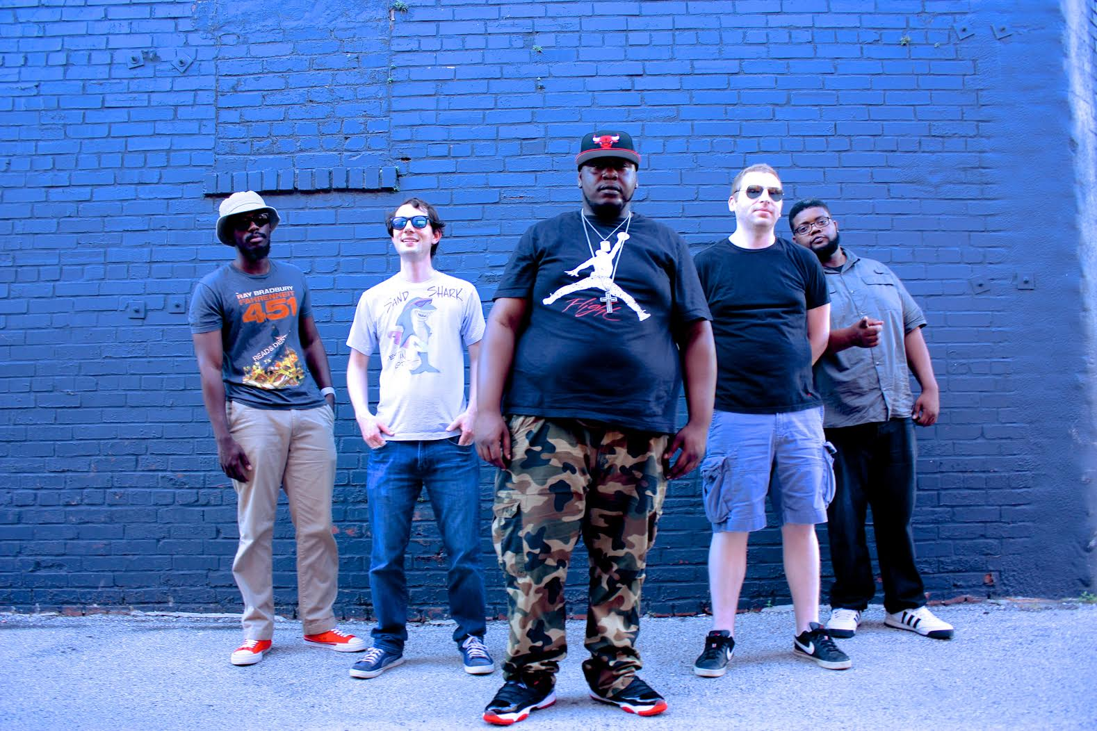 "St. Louis-based hip hop/soul fusion band iLLPHONiCS premiere fresh visuals for ""What D'Ya Like"""