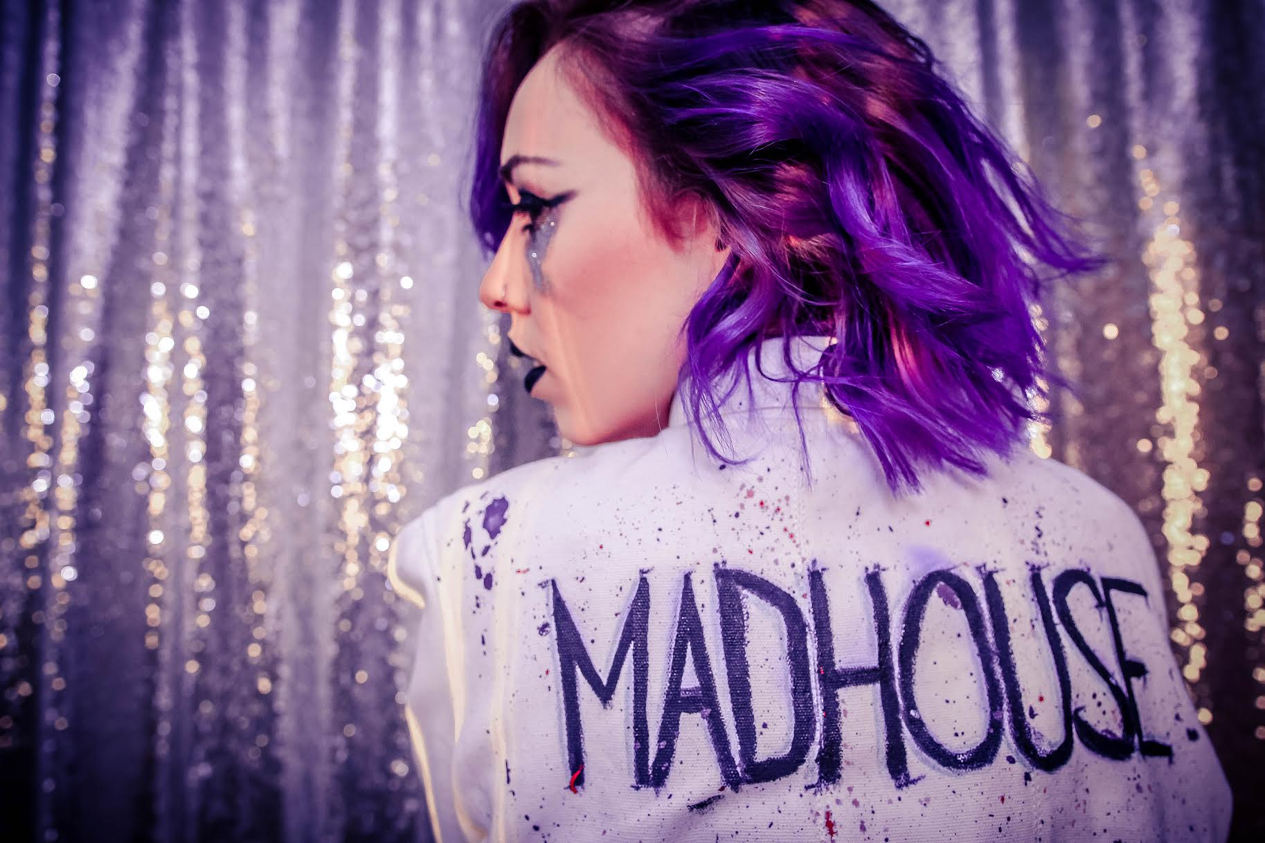 "LA based cosmic-pop songstress Luna Aura premieres fresh video for ""Madhouse"""